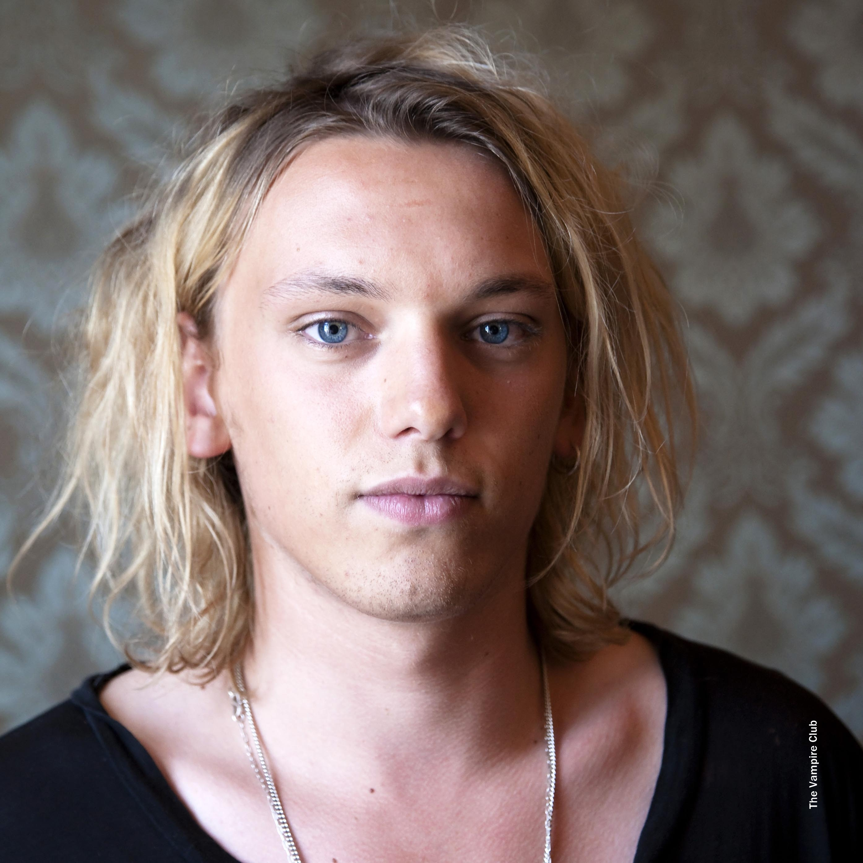 More photos from Jamie Campbell Bower's 'Anonymous' press ...