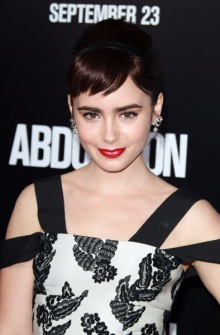 Lily-Collins-Abduction-Premiere-07
