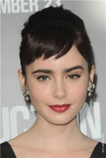 Lily-Collins-Abduction-Premiere-17