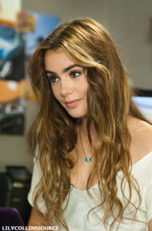 Lily-Collins-Abduction
