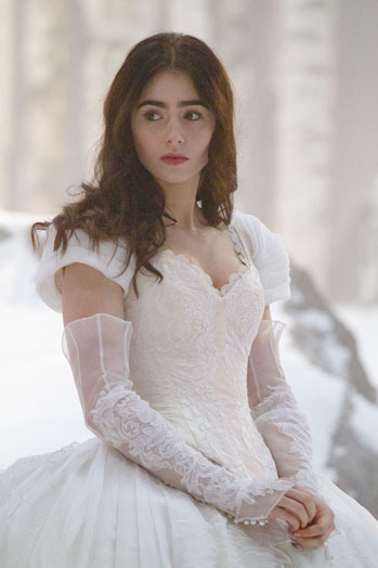 Behind The Scenes Photos Of Lily Collins On Set Of Mirror