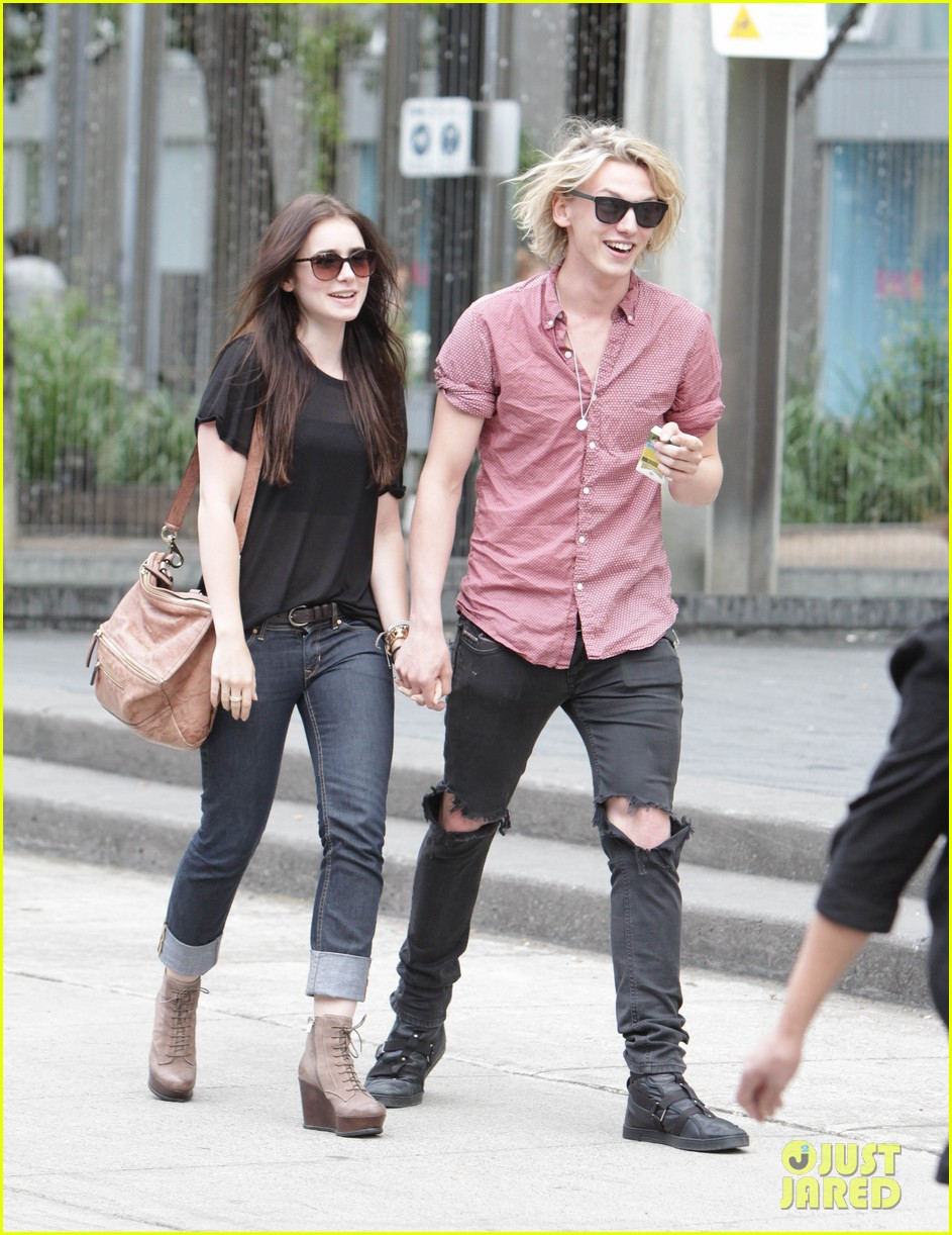 Check out these photos of Lily and Jamie out-and-about in Toronto    Jamie Campbell Bower And Lily Collins