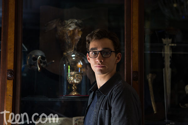 Robert Sheehan as Simon Lewis