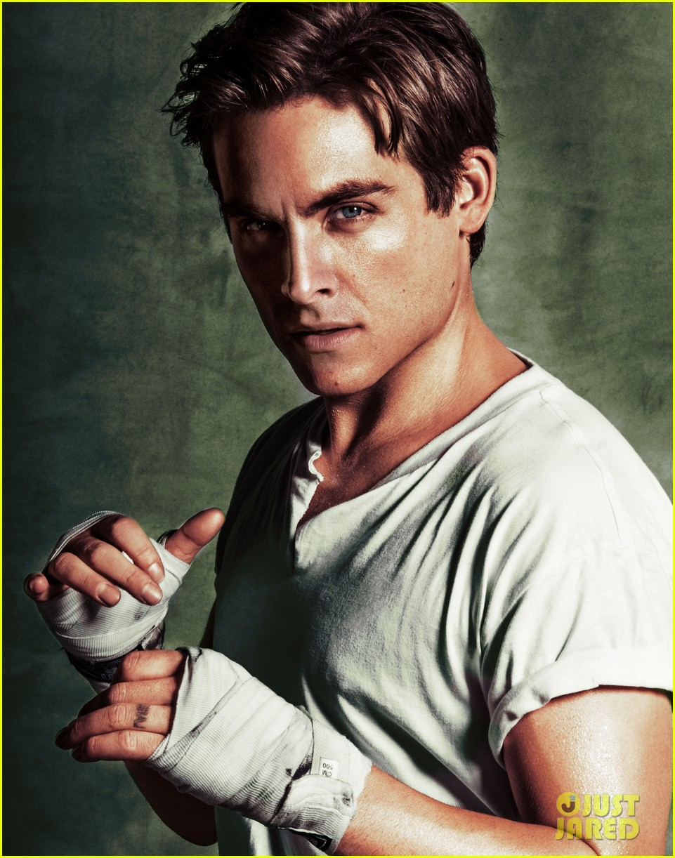 Kevin Zegers photoshoot with Just Jared – TMI Source