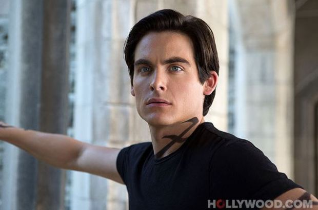Kevin Zegers as Alec Lightwood