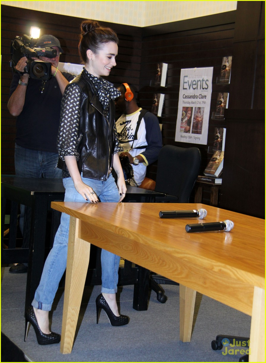 Exclusive… Lily Collins Attends Cassandra Clare BookSigning