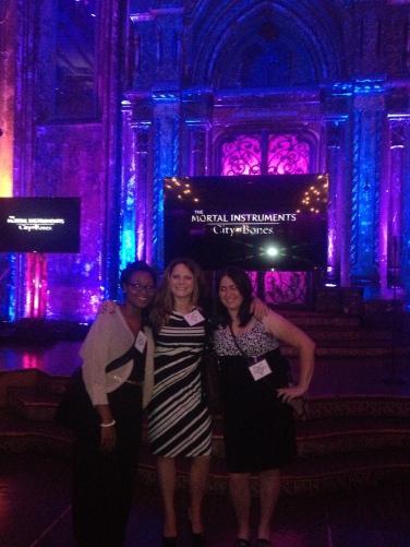 Shannon (TMI Institute), Katie (Mundie Moms) and Alyssa (TMI Source)