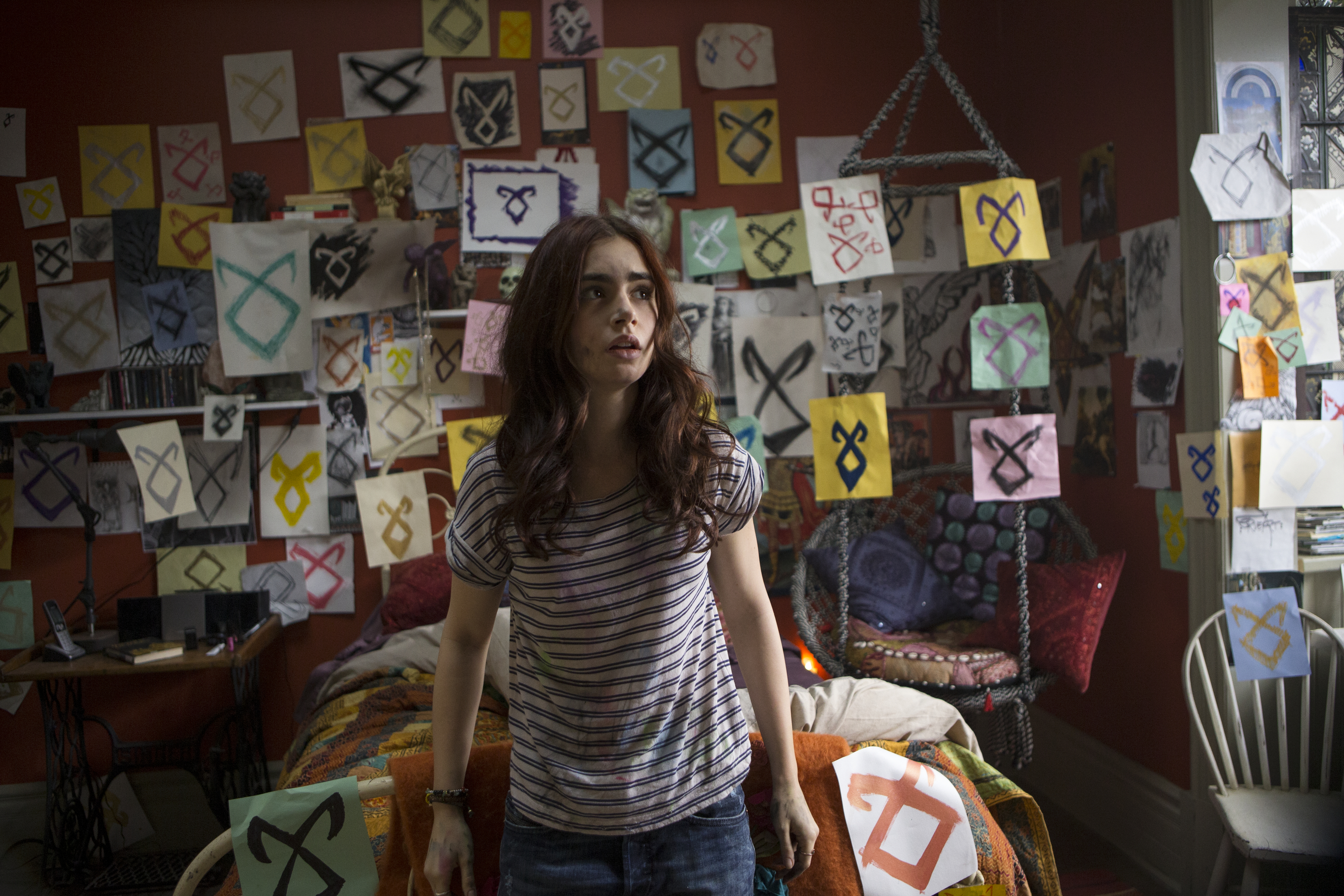 lily collins sounds off on clary�s shade of red hair in
