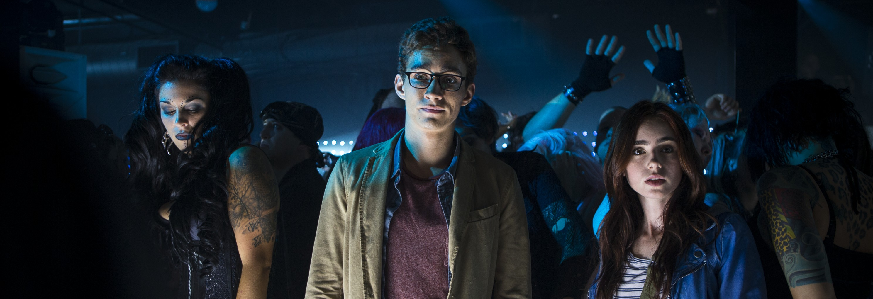 Robert Sheehan talks 'MORTAL INSTRUMENTS,' says 'CITY OF ...