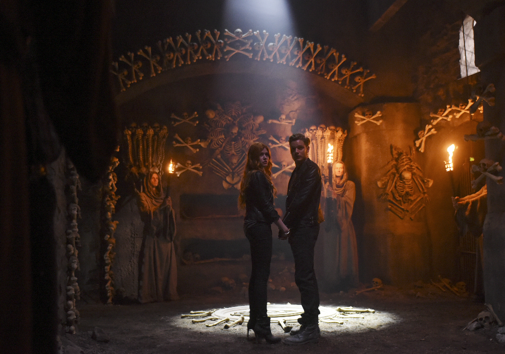 New 'Shadowhunters' Behind-the-Scenes Special Airing Friday Night ...