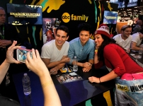 """SHADOWHUNTERS - The cast and creators of ABC Family's """"Shadowhunters"""" appear at New York Comic-Con on October 10, 2015 to discuss the new series. """"Shadowhunters"""" premieres Tuesday, Jan. 12 at 9 p.m. ET on ABC Family. (ABC Family/Lou Rocco) ALBERTO ROSENDE, HARRY SHUM JR., FANS"""