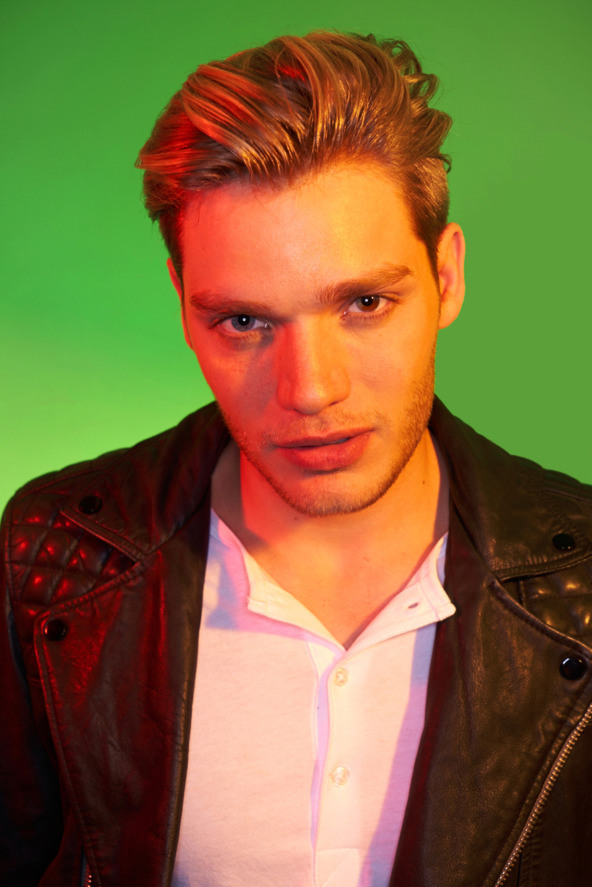 shadowhunters-dominic-sherwood.ahmed-klink-for-vulture