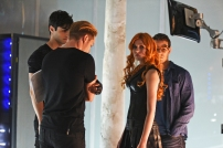 """SHADOWHUNTERS - """"The Descent Into Hell is Easy"""" - Clary's memories may be the key to finding her mother and The Mortal Cup in """"The Descent Into Hell is Easy,"""" an all-new episode of """"Shadowhunters,"""" airing Tuesday, January 19th at 9:00 – 10:00 p.m., EST/PST on Freeform, the new name for ABC Family. ABC Family is becoming Freeform on January 12, 2016. (ABC Family/John Medland) MATTHEW DADDARIO, DOMINIC SHERWOOD, KATHERINE MCNAMARA, ALBERTO ROWENDE"""