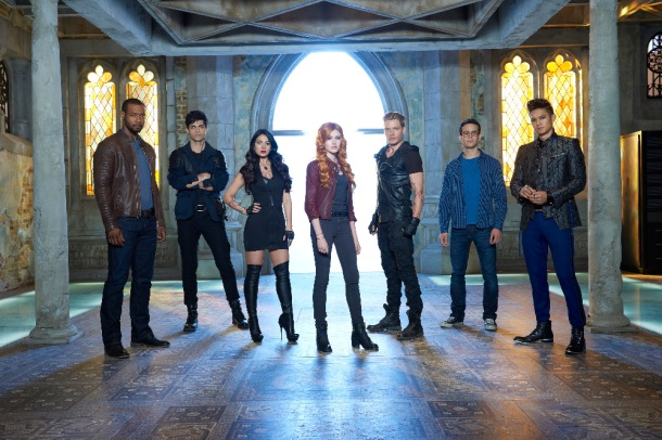 "SHADOWHUNTERS - ABC Family's ""Shadowhunters"" stars Isaiah Mustafa as Luke Garroway, Matthew Daddario as Alec Lightwood, Emeraude Toubia as Isabelle Lightwood, Katherine McNamara as Clary Fray, Dominic Sherwood as Jace Wayland, Alberto Rosende as Simon Lewis and Harry Shum Jr. as Magnus Bane. (ABC Family/Bob D'Amico)"