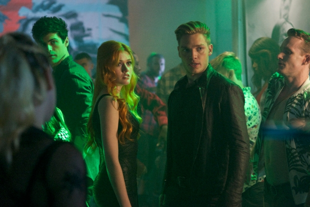 "SHADOWHUNTERS - ""Raising Hell"" - The Shadowhunters will have to put their trust in a Downworlder to access Clary's memories in ""Raising Hell,"" an all-new episode of ""Shadowhunters,"" airing Tuesday, February 2nd at 9:00 – 10:00 p.m., EST/PST on Freeform, the new name for ABC Family. (Freeform/Sven Frenzel) MATTHEW DADDARIO, KATHERINE MCNAMARA, DOMINIC SHERWOOD"