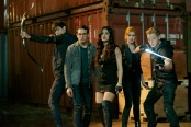 """SHADOWHUNTERS - """"Moo Shu To Go"""" - Alec finds himself torn between duty and loyalty to Jace in """"Moo Shu to Go,"""" an all-new episode of """"Shadowhunters,"""" airing  Tuesday, February 9th at 9:00 – 10:00 p.m., EST/PST on Freeform, the new name for ABC Family. (Freeform/Sven Frenzel) MATTHEW DADDARIO, ALBERTO ROSENDE, EMERAUDE TOUBIA, KATHERINE MCNAMARA, DOMINIC SHERWOOD"""