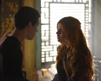 """SHADOW HUNTERS - """"Blood Calls to Blood"""" - With the help of a new ally, Clary and Jace attempt to rescue Jocelyn in """"Blood Calls to Blood,"""" an all-new episode of """"Shadowhunters,"""" airing TUESDAY, MARCH 22 (9:00-10:00 p.m. EDT) on Freeform. (Freeform/John Medland) ALBERTO ROSENDE, KATHERINE MCNAMARA"""