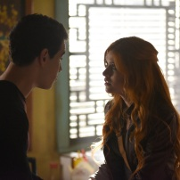 "SHADOW HUNTERS - ""Blood Calls to Blood"" - With the help of a new ally, Clary and Jace attempt to rescue Jocelyn in ""Blood Calls to Blood,"" an all-new episode of ""Shadowhunters,"" airing TUESDAY, MARCH 22 (9:00-10:00 p.m. EDT) on Freeform. (Freeform/John Medland) ALBERTO ROSENDE, KATHERINE MCNAMARA"