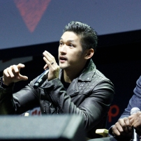 """SHADOWHUNTERS - The cast and producers of Freeform's """"Shadowhunters,"""" are featured at the COMIC CON Convention at the Jacob Javits Center in New York City on October 8, 2016. (Freeform/Lou Rocco) HARRY SHUM JR., ISAIAH MUSTAFA"""