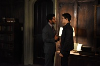 """SHADOWHUNTERS - Clary struggles to find where she belongs, while Simon seeks Magnus' help in """"A Door Into the Dark,"""" an all new episode of """"Shadowhunters,"""" airing MONDAY, JANUARY 9 (8:00 – 9:00 PM EDT) on Freeform. (Freeform/John Medland) NICK SAGAR, ALBERTO ROSENDE"""