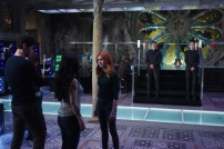 """SHADOWHUNTERS - Clary struggles to find where she belongs, while Simon seeks Magnus' help in """"A Door Into the Dark,"""" an all new episode of """"Shadowhunters,"""" airing MONDAY, JANUARY 9 (8:00 – 9:00 PM EDT) on Freeform. (Freeform/John Medland) MATTHEW DADDARIO, KATHERINE MCNAMARA"""