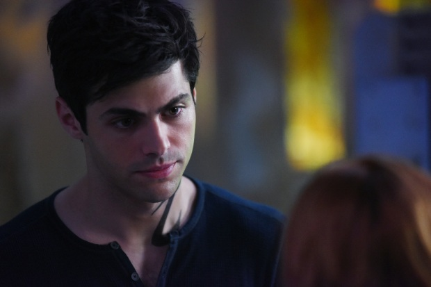 "SHADOWHUNTERS - Clary struggles to find where she belongs, while Simon seeks Magnus' help in ""A Door Into the Dark,"" an all new episode of ""Shadowhunters,"" airing MONDAY, JANUARY 9 (8:00 – 9:00 PM EDT) on Freeform. (Freeform/John Medland) MATTHEW DADDARIO"