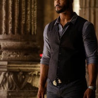 """SHADOWHUNTERS - """"Day of Wrath"""" - No one is safe when the Shadowhunters come up against a new kind of demon in """"Day of Wrath,"""" an all new episode of """"Shadowhunters,"""" airing MONDAY, JANUARY 23 (8:00 – 9:00 PM EDT) on Freeform. (Freeform/ Ben Mark Holzberg) ISAIAH MUSTAFA"""