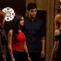 """SHADOWHUNTERS - """"Day of Wrath"""" - No one is safe when the Shadowhunters come up against a new kind of demon in """"Day of Wrath,"""" an all new episode of """"Shadowhunters,"""" airing MONDAY, JANUARY 23 (8:00 – 9:00 PM EDT) on Freeform. (Freeform/ Ben Mark Holzberg) MAXIM ROY, EMERAUDE TOUBIA, MATTHEW DADDARIO, KATHERINE MCNAMARA"""