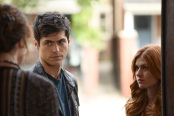 """SHADOWHUNTERS - """"Dust and Shadows"""" - Clary takes desperate actions after the attack on the Institute in """"Dust and Shadows,"""" an all new episode of """"Shadowhunters,"""" airing MONDAY, JANUARY 30 (8:00 – 9:00 PM EDT) on Freeform. (Freeform/John Medland) MATTHEW DADDARIO, KATHERINE MCNAMARA"""