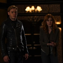 "SHADOWHUNTERS - ""Bound By Blood"" - Clary is sidelined by Iris' blood oath, while the Downworld begins to fall apart, in ""Bound By Blood,"" an all-new episode of ""Shadowhunters,"" airing MONDAY, FEBRUARY 27 (8:00 - 9:01 p.m. EST), on Freeform. (Freeform/John Medland) DOMINIC SHERWOOD, KATHERINE MCNAMARA"