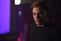 """SHADOWHUNTERS - """"Bound By Blood"""" - Clary is sidelined by Iris' blood oath, while the Downworld begins to fall apart, in """"Bound By Blood,"""" an all-new episode of """"Shadowhunters,"""" airing MONDAY, FEBRUARY 27 (8:00 - 9:01 p.m. EST), on Freeform. (Freeform/John Medland) DOMINIC SHERWOOD"""