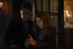 """SHADOWHUNTERS - """"By The Light Of Dawn"""" - Valentine's plan is in full effect and the Shadowhunters must act fast to save the Downworld in """"By the Light of Dawn,"""" the spring finale of """"Shadowhunters,"""" airing MONDAY, MARCH 6 (8:00 – 9:01 p.m. EST), on Freeform. (Freeform/John Medland) HARRY SHUM JR., KATHERINE MCNAMARA"""