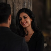 "SHADOWHUNTERS - ""The Fair Folk"" - Alec has big plans to mend fences with the Downworlders, while Jace and Clary are summoned by the Seelie Queen in ""The Fair Folk"", an all-new episode of ÒShadowhuntersÓ airing on Monday, June 26 (8:00 - 9:00 PM ET/PT) on Freeform and the Freefom app. (Freeform/John Medland) MATTHEW DADDARIO, EMERAUDE TOUBIA"