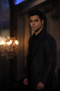 "SHADOWHUNTERS - ""The Fair Folk"" - Alec has big plans to mend fences with the Downworlders, while Jace and Clary are summoned by the Seelie Queen in ""The Fair Folk"", an all-new episode of ÒShadowhuntersÓ airing on Monday, June 26 (8:00 - 9:00 PM ET/PT) on Freeform and the Freefom app. (Freeform/John Medland) MATTHEW DADDARIO"