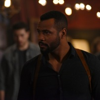 "SHADOWHUNTERS - ""Those of Demon Blood"" - After several Shadowhunters are killed, The Institute turns to controversial methods to prevent a Downworlder uprising in ÒThose of Demon Blood,Ó an all-new episode of ÒShadowhuntersÓ airing Tuesday, June 19 (8:00 - 9:00 PM ET/PT). (Freeform/John Medland) ISAIAH MUSTAFA"