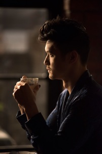 """SHADOWHUNTERS - """"A Problem with Memory"""" - Simon goes down a dark path while Alec and team prepares to transport Valentine in ÒA Problem of Memory,Ó an all-new episode of """"Shadowhunters"""" airing Monday, July 10th at 8:00 - 9:00 PM ET/PT. (Freeform/John Medland) HARRY SHUM JR."""
