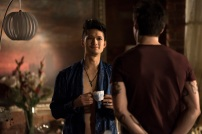 """SHADOWHUNTERS - """"A Problem with Memory"""" - Simon goes down a dark path while Alec and team prepares to transport Valentine in ÒA Problem of Memory,Ó an all-new episode of """"Shadowhunters"""" airing Monday, July 10th at 8:00 - 9:00 PM ET/PT. (Freeform/John Medland) HARRY SHUM JR., MATTHEW DADDARIO"""