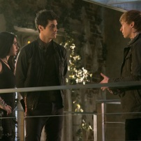 "SHADOWHUNTERS - ""A Problem with Memory"" - Simon goes down a dark path while Alec and team prepares to transport Valentine in ÒA Problem of Memory,Ó an all-new episode of ""Shadowhunters"" airing Monday, July 10th at 8:00 - 9:00 PM ET/PT. (Freeform/Ian Watson) EMERAUDE TOUBIA, MATTHEW DADDARIO, WILL TUDOR"