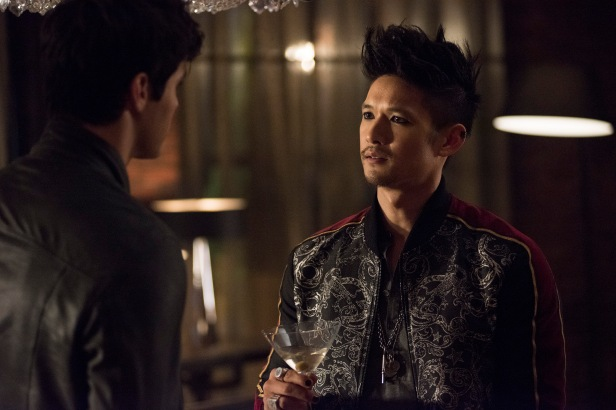 """SHADOWHUNTERS - """"On Infernal Ground"""" - In the season three premiere, secrets abound as the Shadowhunters and Downworlders try to get back to normal after ValentineÕs death. This episode of """"Shadowhunters"""" airs Tuesday, March 20 (8:00 - 9:00 P.M. ET/PT) on Freeform. (Freeform/John Medland) MATTHEW DADDARIO, HARRY SHUM JR."""
