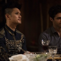 "SHADOWHUNTERS - ""What Lies Beneath"" - The Shadowhunters try to track down the new imposing threat, while Jace has a suspicion that Jonathan is back and behind the mundane attacks. Simon tries to figure out what The Seelie Queen did to him during his time in the glade. Alec decides to host a Lightwood family dinner at MagnusÕ house after a surprising visit from Maryse. This episode of ""Shadowhunters"" airs Tuesday, April 3 (8:00 - 9:00 p.m. EDT) on Freeform. (Freeform/John Medland) HARRY SHUM JR., MATTHEW DADDARIO"