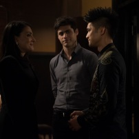 "SHADOWHUNTERS - ""What Lies Beneath"" - The Shadowhunters try to track down the new imposing threat, while Jace has a suspicion that Jonathan is back and behind the mundane attacks. Simon tries to figure out what The Seelie Queen did to him during his time in the glade. Alec decides to host a Lightwood family dinner at Magnus' house after a surprising visit from Maryse. This episode of ""Shadowhunters"" airs Tuesday, April 3 (8:00 - 9:00 p.m. EDT) on Freeform. (Freeform/John Medland) NICOLA CORREIA-DAMUDE, MATTHEW DADDARIO, HARRY SHUM JR."